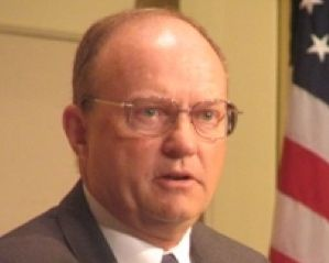 Headshot of Lawrence WIlkerson, Advisor for the Collaborative Institute for Oceans, Climate, and Security
