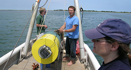 Nantucket Field Station sensor buoys deployed in the harbor