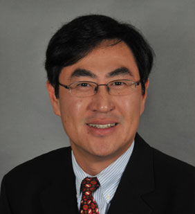photo of Yong-Chul Shin