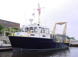 picture of R/V Looney