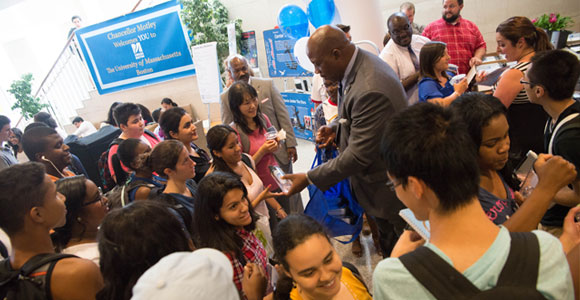 Chancellor Motley Welcomes Students Back to School